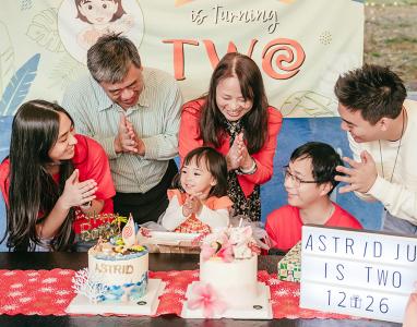 幸福小壽星 Astrid 2歲囉!   家族聚會 + 生日慶祝